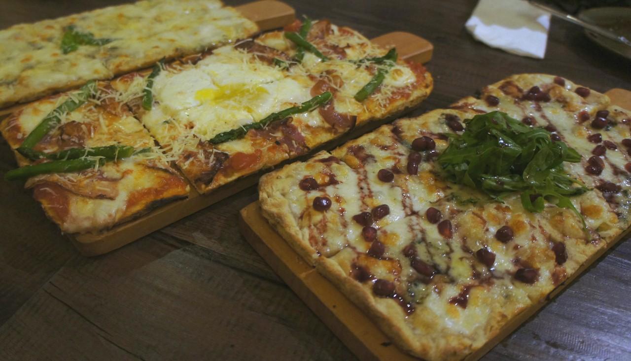 Pizza Mama Gallina y Azulina