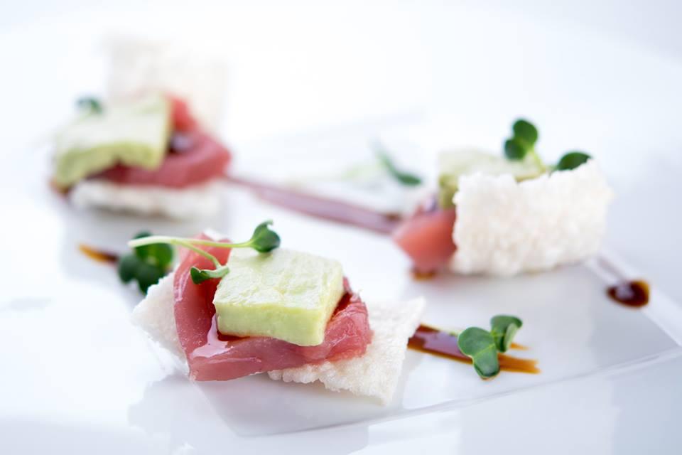 Un delicioso atún, crujiente de arroz y frío de palta... ¿qué perfecta combinación verdad?