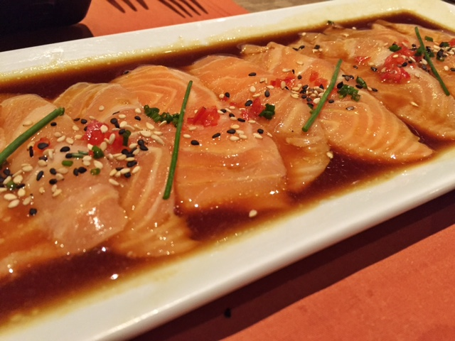 pescados capitales - tiradito de salmon