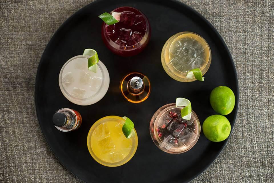 ronda de chilcanos como todos los martes, por la compra de un segundo trago o cóctel, la casa pone cinco cortes de #makis o dos #nigiris de cortesía.