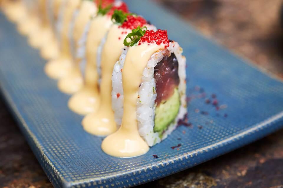 osaka-surco-nuestro-tuna-tartar-te-encantara-hecho-con-atun-fresco-palta-negi-y-spicy-tobico-mayo
